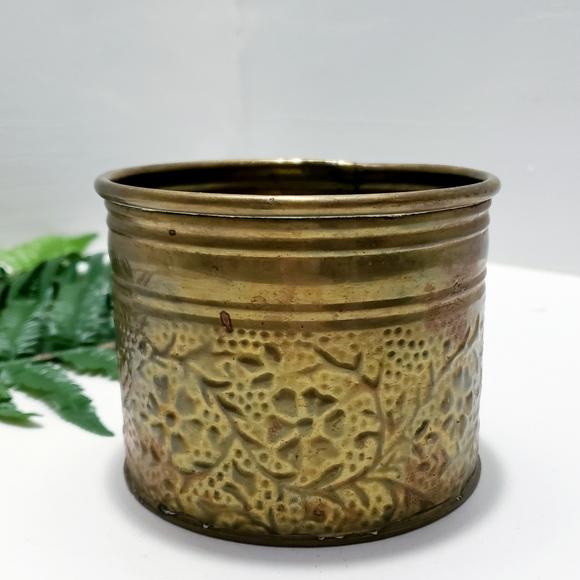 Vintage brass floral planter•Pressed floral design